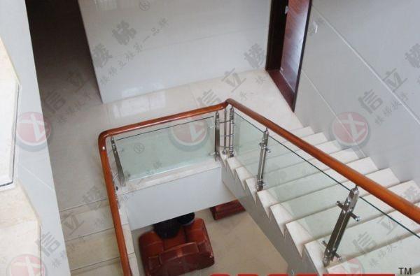 不锈钢楼梯护栏图片